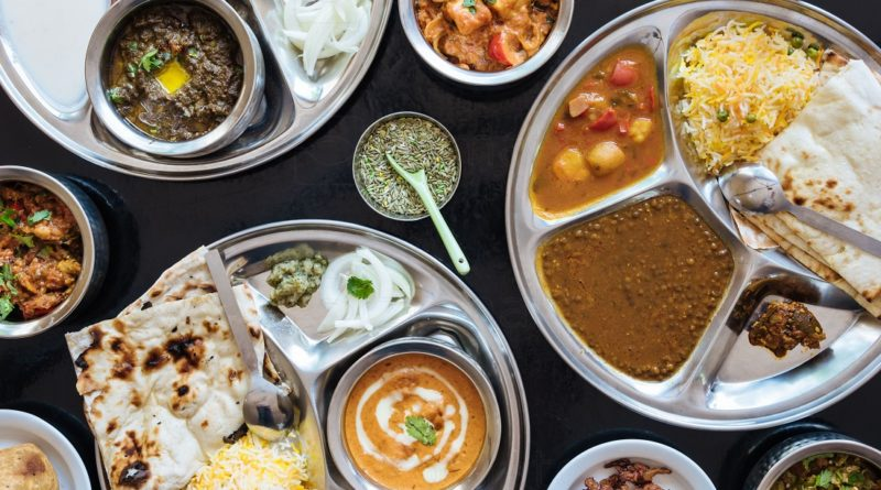 Down To Your Last INR 100? This Place Offers A Complete Meal @ Dirt Cheap Prices!