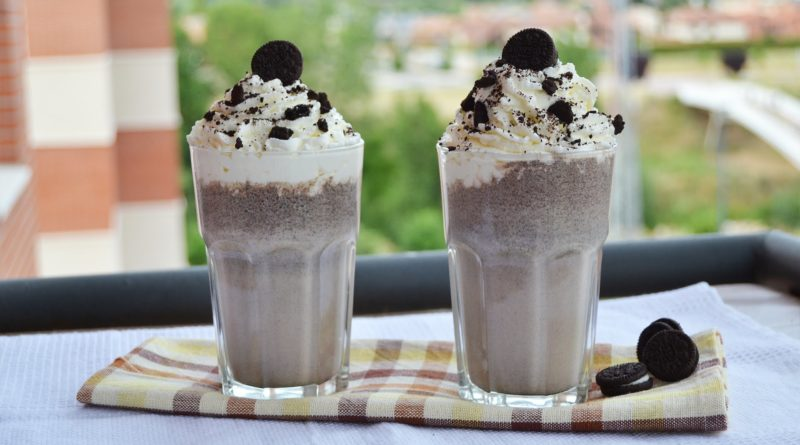 11 Different Shakes And DIY Hookah Flavours This Rooftop Cafe Is Absolutely Smashing!