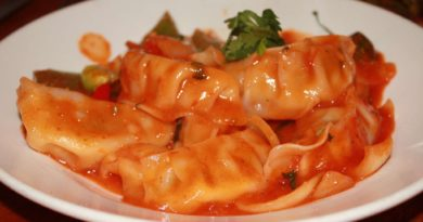 Make A Million 'Momories' With Red Sauce And Sizzler Momos At This West Delhi Joint!