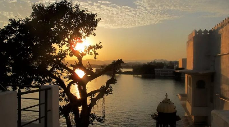 This Lakeside Homestay In Udaipur Is All You Need For Sunset Feels And Good Vibes!