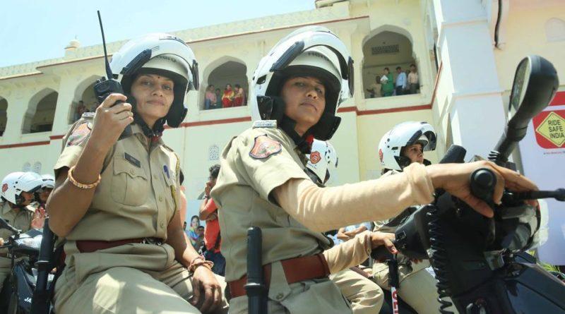*WOW* Delhi Police's Women Squad On A Rescue Mission!
