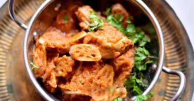 You Can't Miss Tasting These Delicious Kashmiri Dishes Here In Delhi!