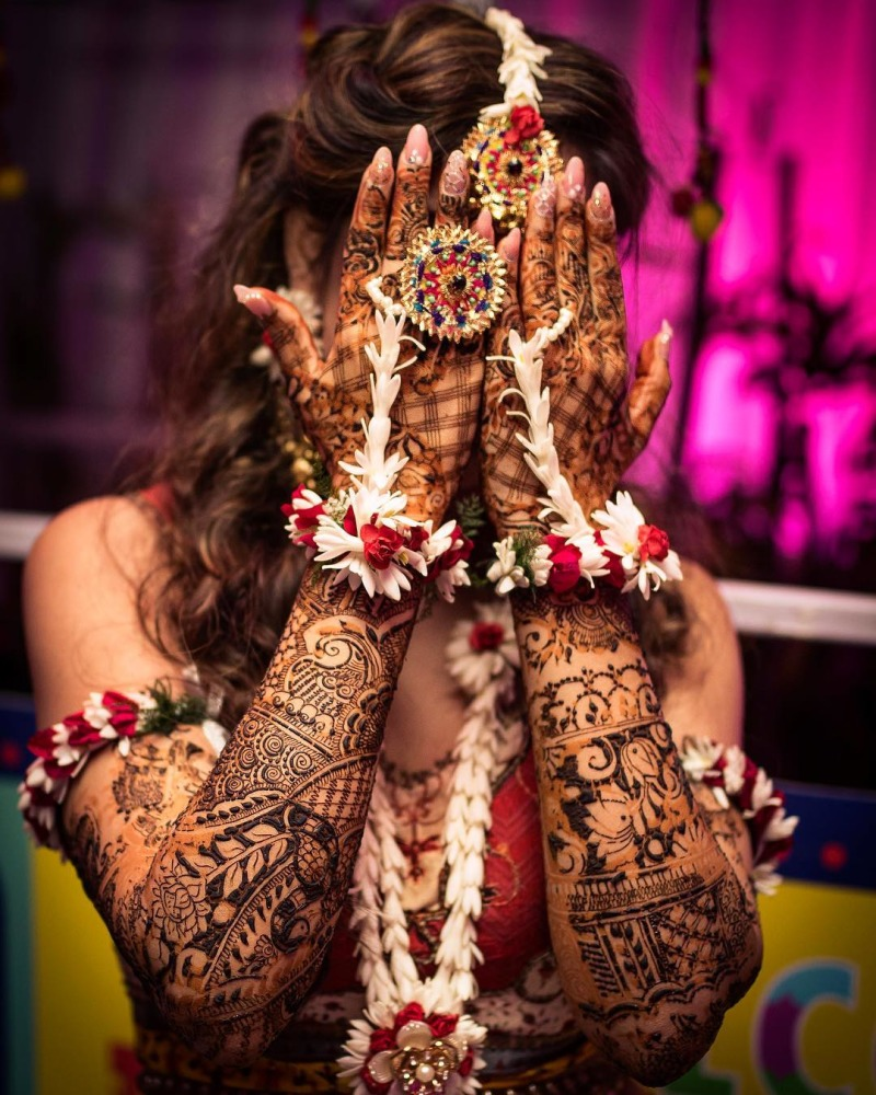 Where To Get The Best Floral Jewellery In Delhi - D for Delhi