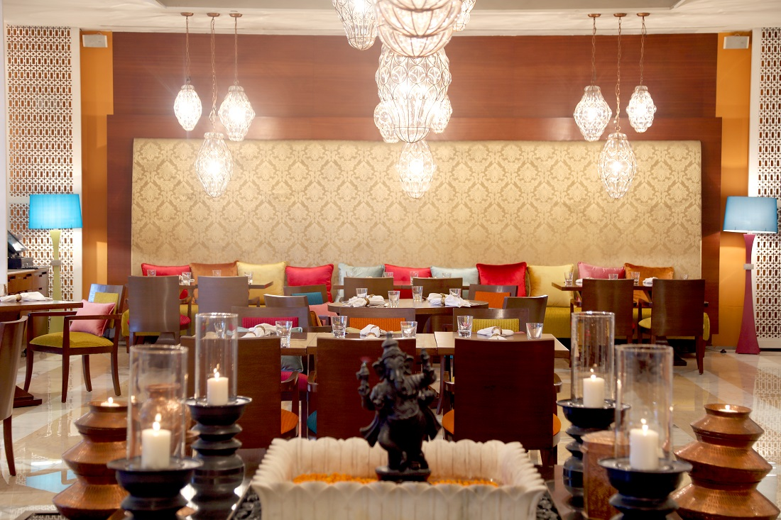 Cupid's Corner: A Romantic V-Day Dinner For Two At The Leela Ambience!