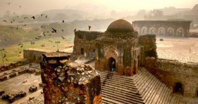 Heritage Walks Around Delhi Just Got Better As 19 Monuments Are To Get A Make Over!