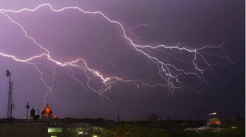 IMD Has Issued A Thunderstorm Warning In Delhi-NCR For Today