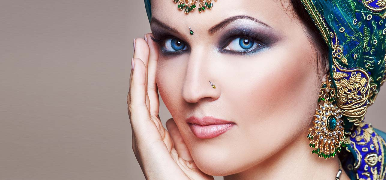 Makeup Artists In Delhi To Jazz Up The Bride On Her Wedding Day