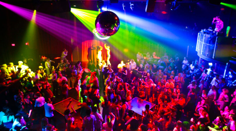 Hang Up Angrezi Beats And Dance To Desi Beats At Bollywood Night Parties In Town!