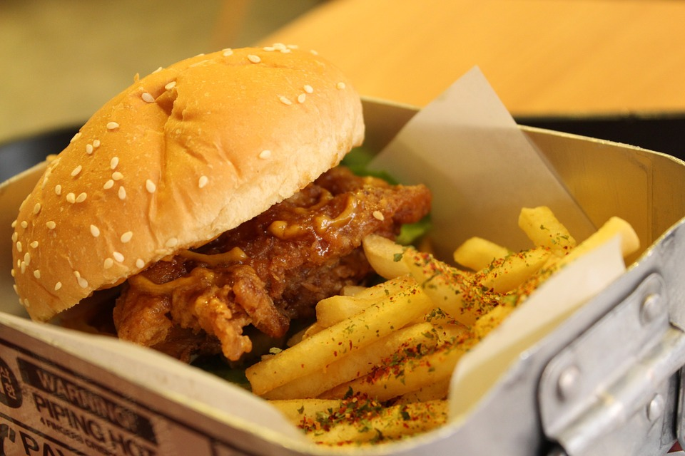Time Get Your Jugheads On, This South Delhi Cafe Is Hosting A Burger Festival!