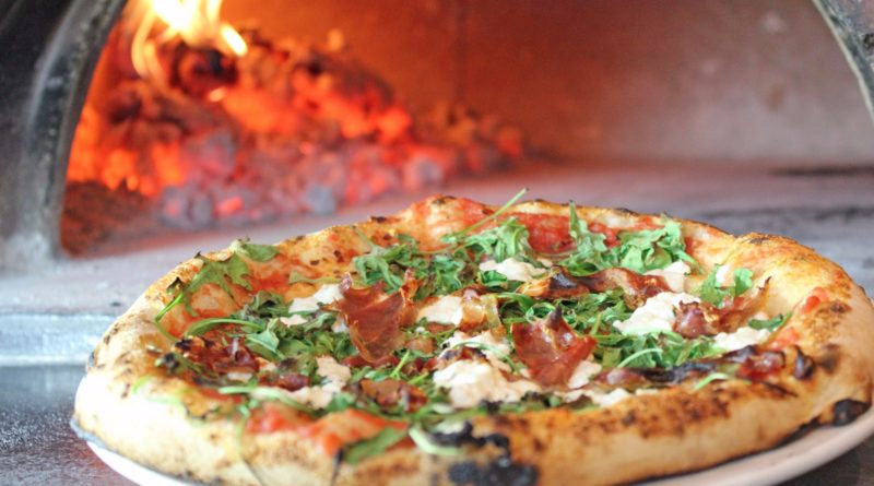 Gurgaon's Newest Wood Fired Oven Pizzeria Stays Open Till 3 AM! *SCOOT* People!