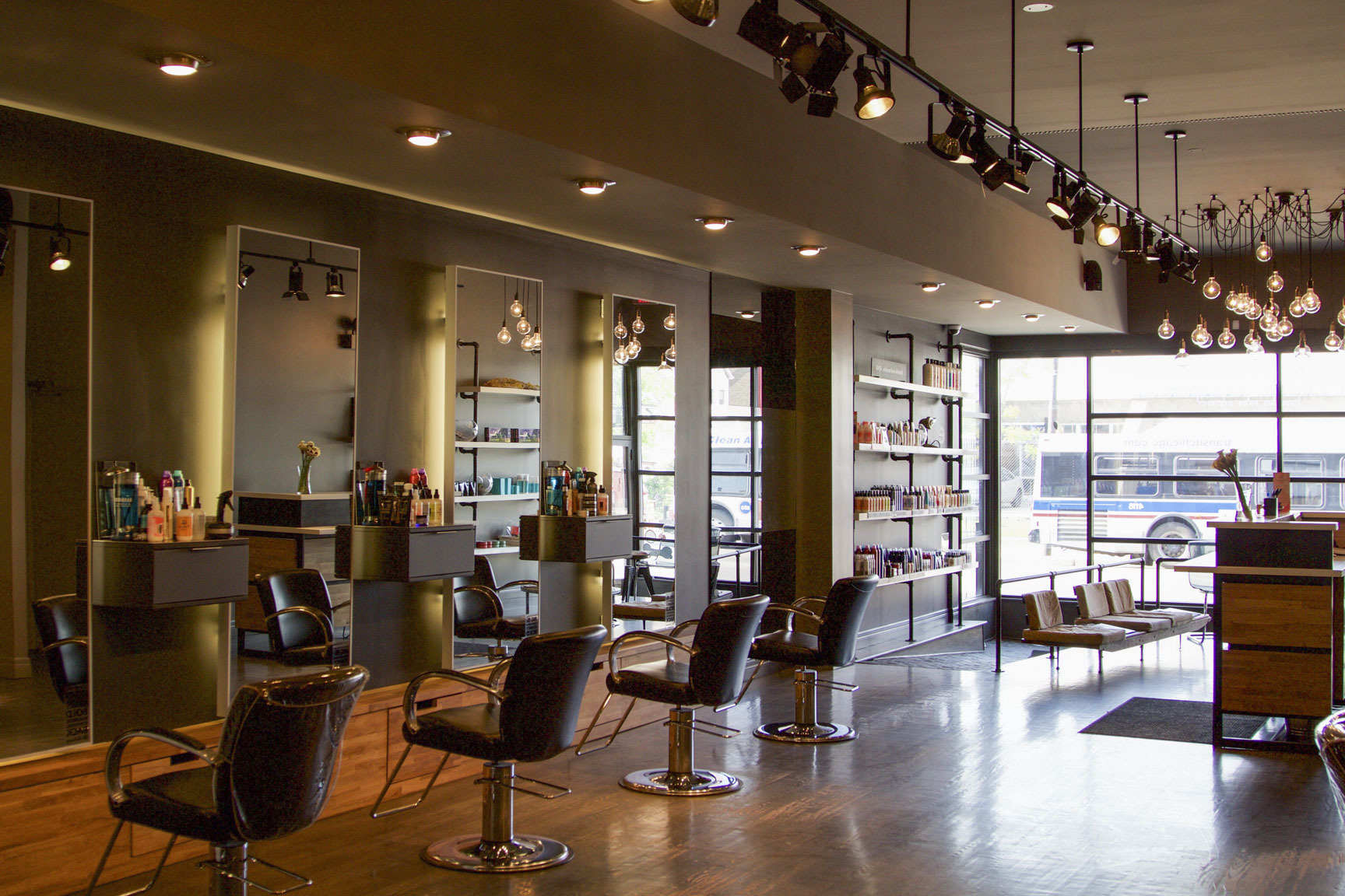 These Salons in Delhi is Just What you Need in Your Life Right Now!