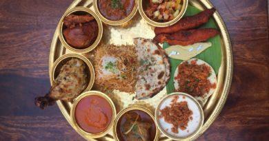 12 non-vegetarian dishes on the same platter? Yaaass!!