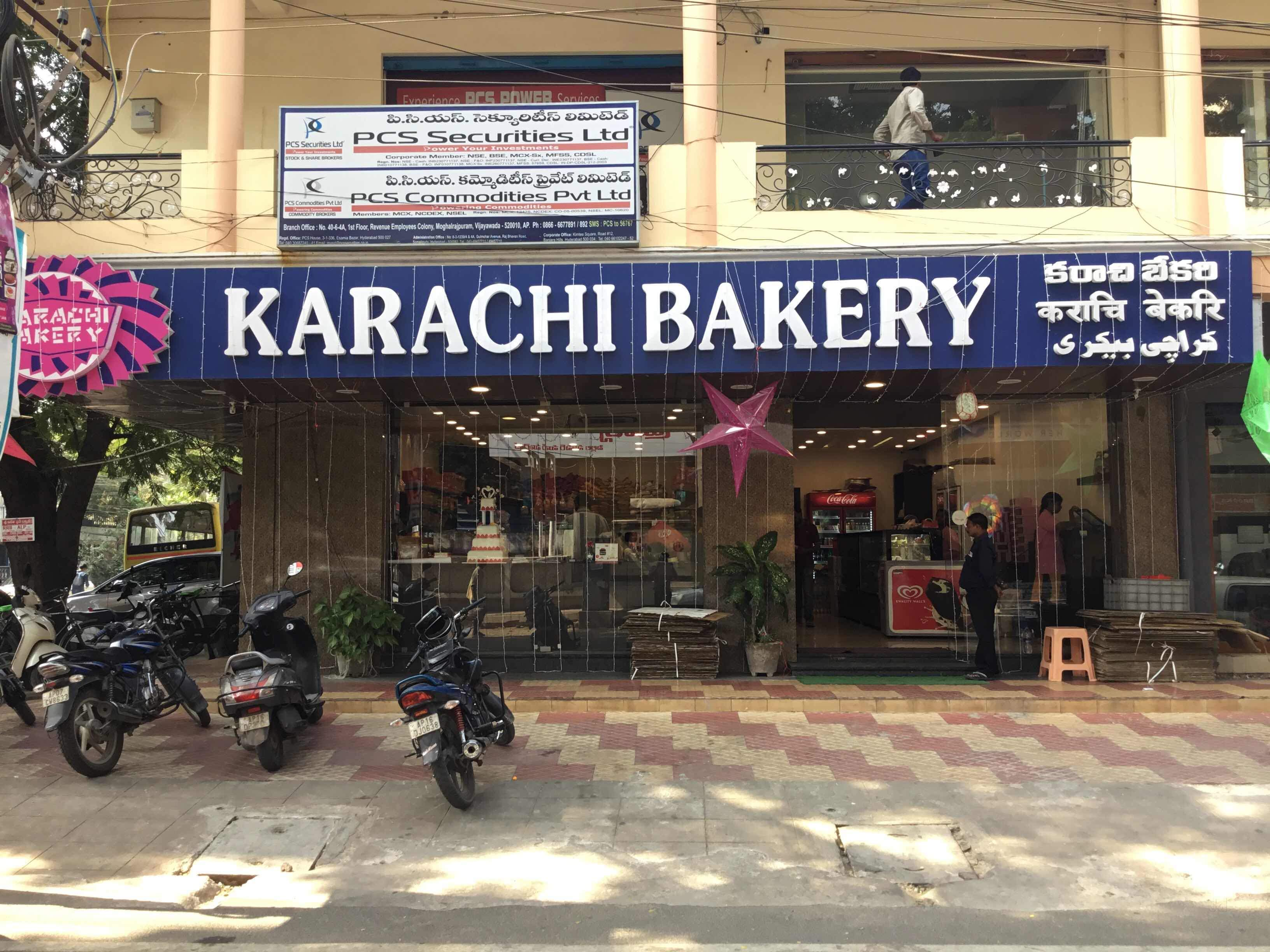 Hydrabad's Famous Karachi Bakery Opens A New Outlet In Green Park