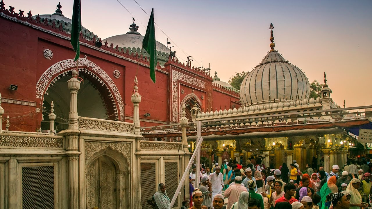 Ramzan-Nizamuddin Dargah