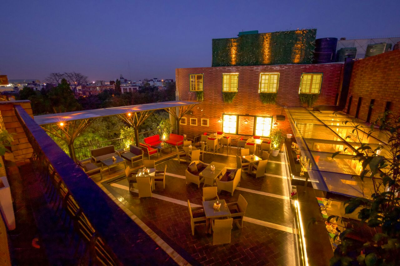Uncultured - Cafe, Bar, Lounge And An Experience! - DforDelhi