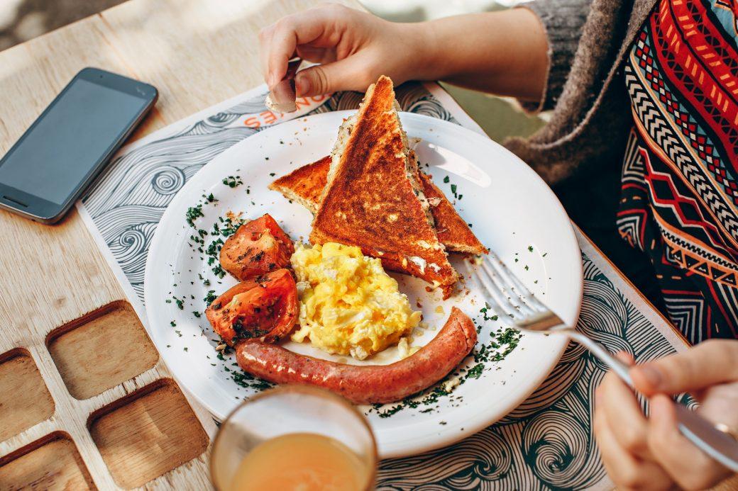 10 Breakfast Spots In Gurugram
