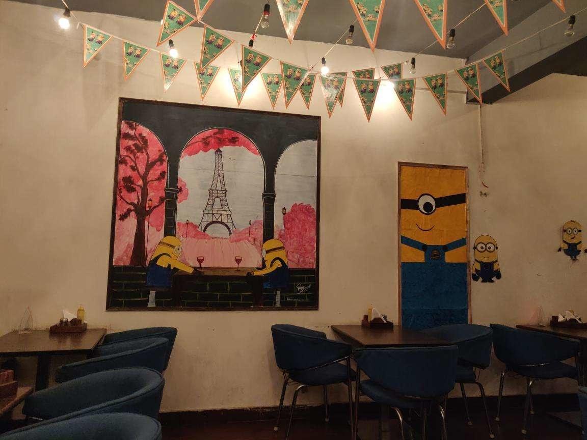 the minnions cafe delhi